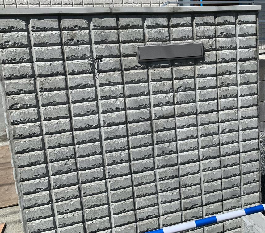 ヘーベルハウスオリジナル目地パネルを使った玄関塀 ステップ2 オリジナル目地パネル