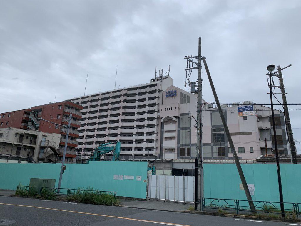 ほぼ解体が完了した西国分寺駅近くのパチンコ店、ニューロータリー(2021/09/26時点)