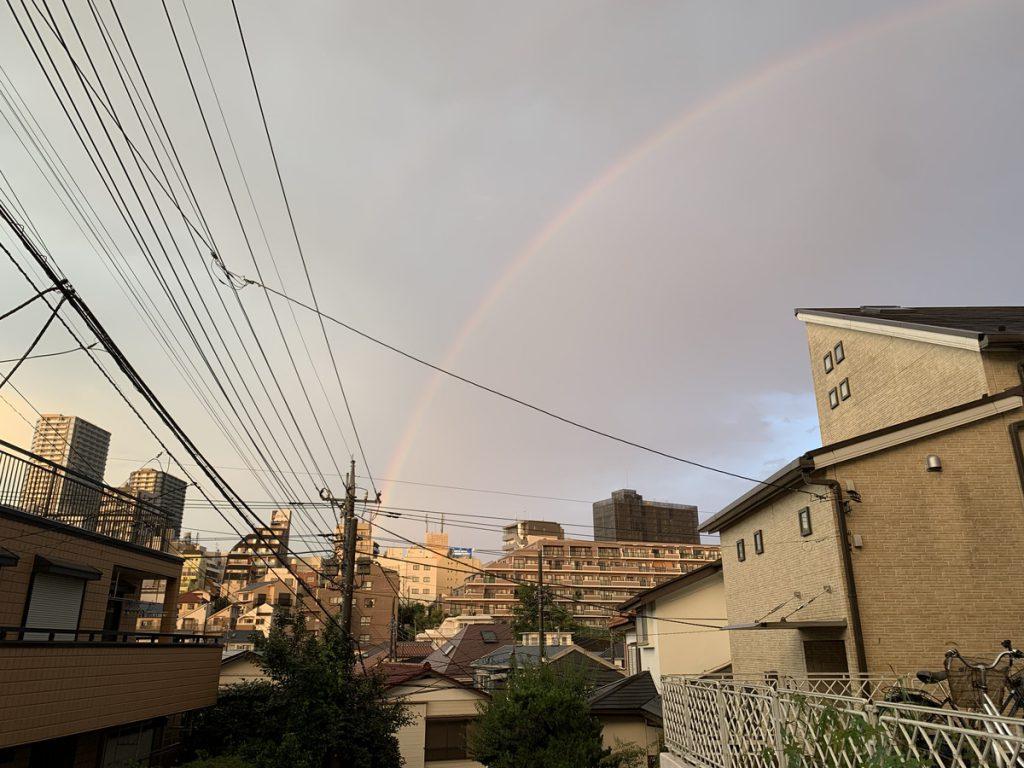 国分寺にまたがる巨大な虹